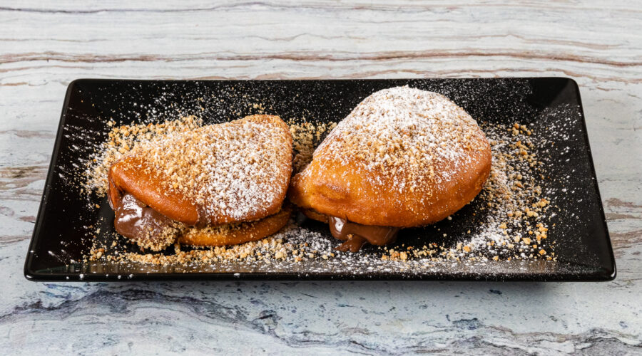 Donut Bao Bun with nutella, biscuit and powdered sugar (2 pcs)